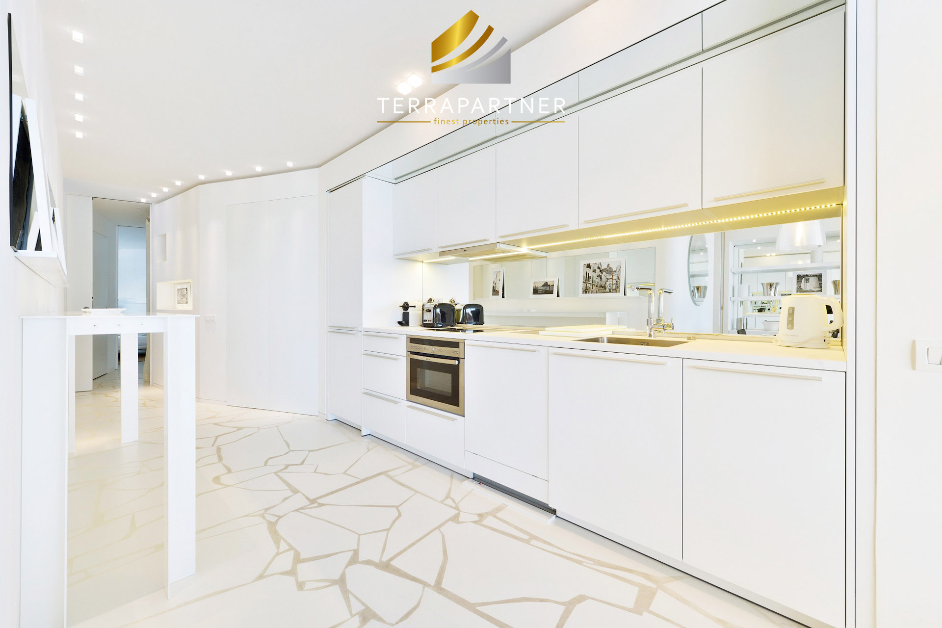 Design-Luxus-Apartments mit traumhaftem Blick direkt am Yachthafen
