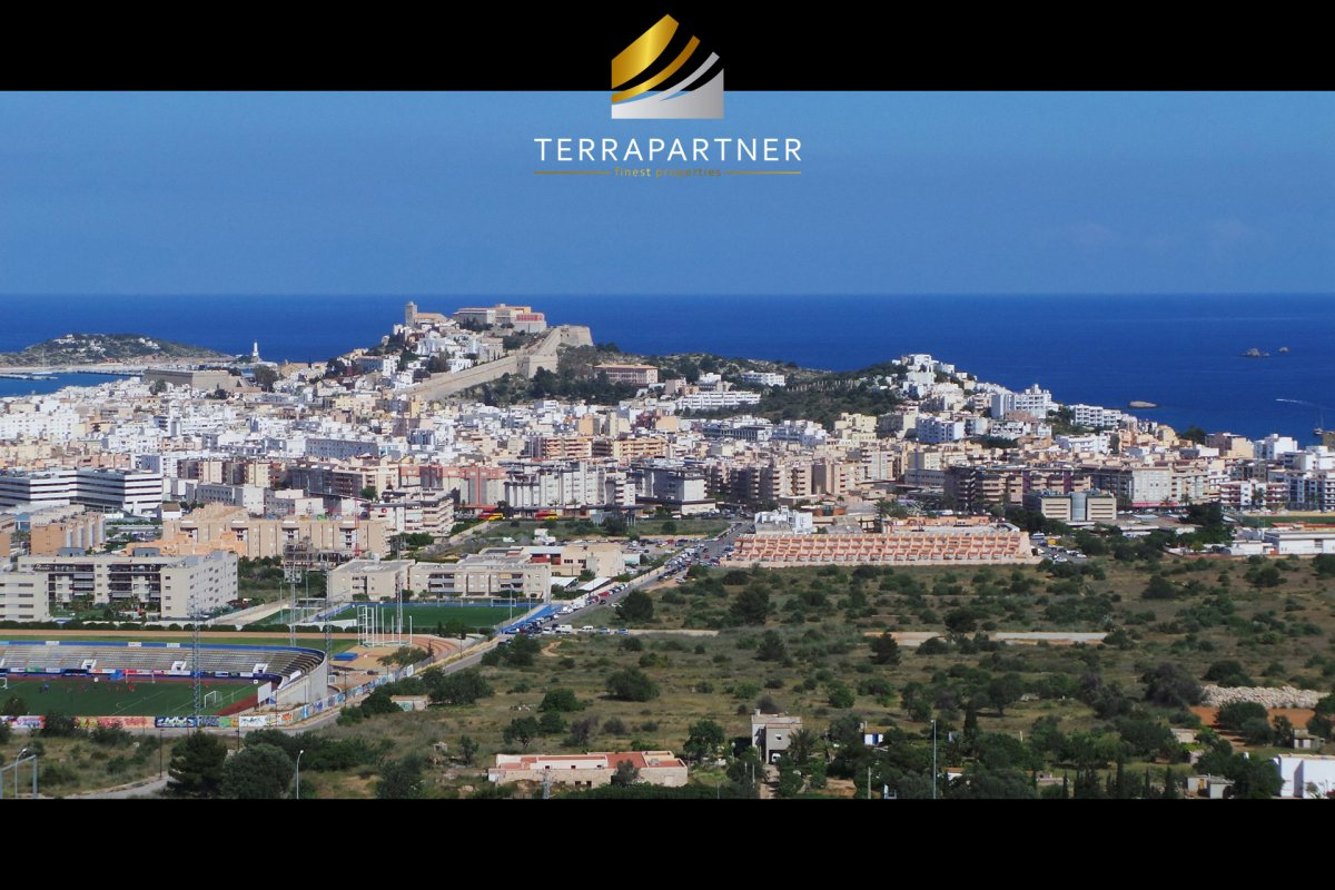 close to Ibiza Town: Building plot in spectacular location